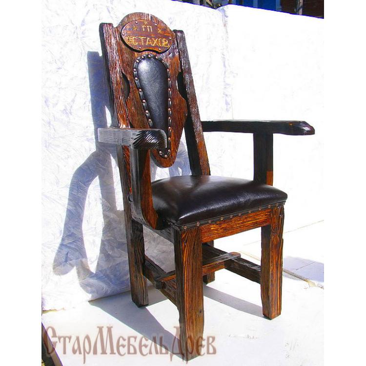 Купить диваны и кресла под старину из дерева, деревянные